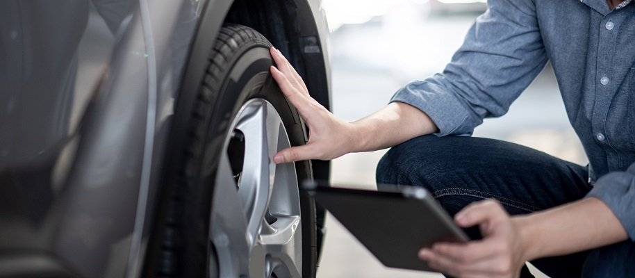 vehicle inspection checking tyres