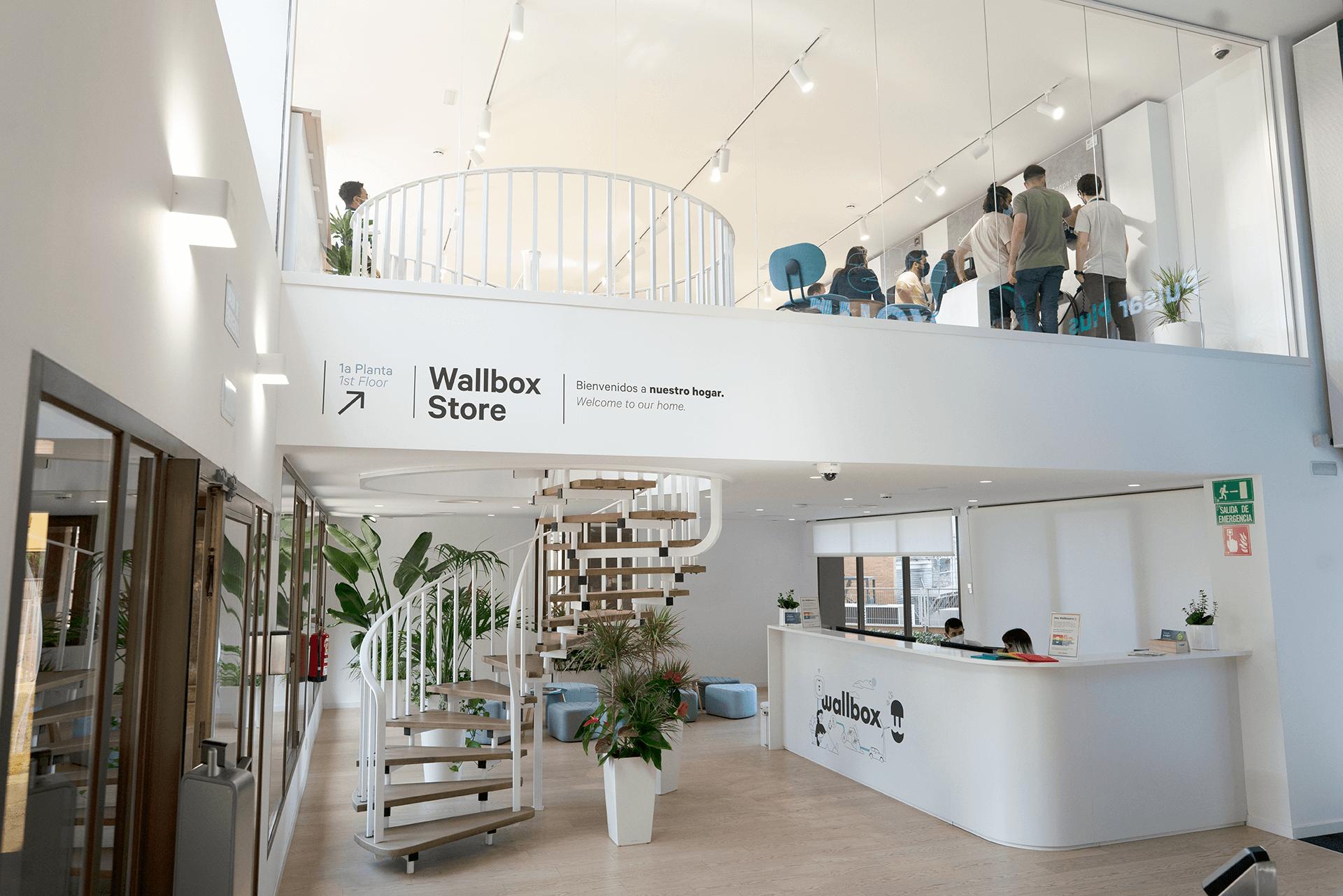 Wallbox abre una tienda experiencial de soluciones de carga inteligente en su sede en Barcelona
