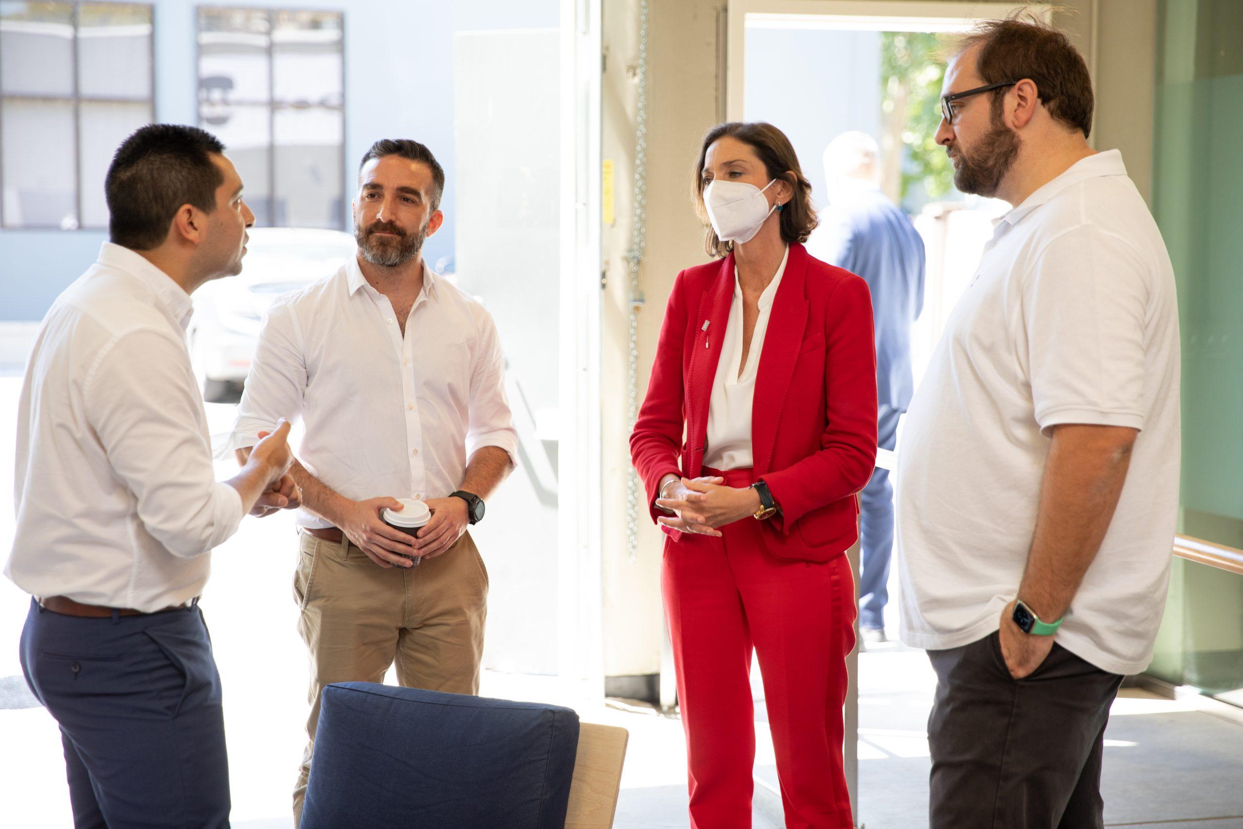 La Ministra de Industria, Comercio y Turismo, Reyes Maroto, visitó la sede de Wallbox en Norteamérica